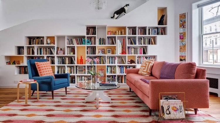 Пара з Брукліна перетворила свій будинок в ідеальне місце для котів